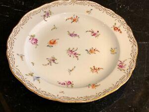 """Vintage MEISSEN Porcelain Scattered Flowers 8 3/8"""" Plate"""