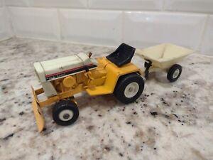 Ertl Cub Cadet 129 1/16 diecast lawn garden tractor replica collectible ff
