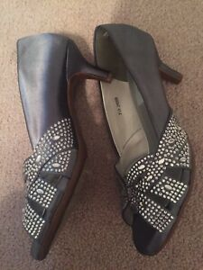 Comfort Collection By Dyeables Wedding Shoes Dark Gray Sz 7.5