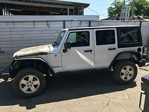 2007-2010   JEEP WRANGLER JKU BARE TUB WITH ROLL BAR / CAGE OEM BODY FLOOR SIDE
