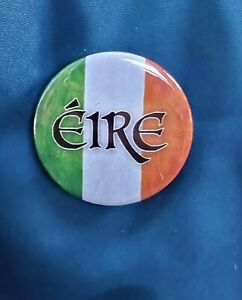 Eire - traditional Small Badge - 25mm diam.