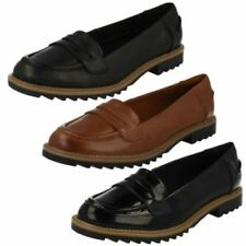 Clarks Women's Loafers Round Toe