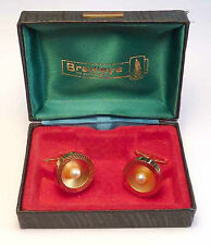 A VINTAGE PAIR OF GOLD TONE METAL SIMULATED PEARL T BAR CUFFLINKS