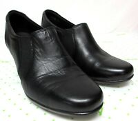 Clarks Collection women's size 9.5 M black leather loafers comfort medium heel