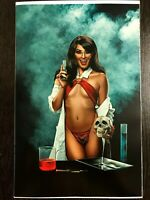 Vampirella/Reanimator #3 Cosplay EXCLUSIVE Virgin Variant LTD 1:30 NM+