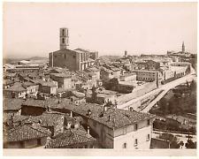 Italie, Pérouse, vue panoramique de la cité et de la basilique San Domenico  Vin