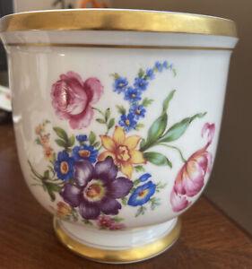 VA VISTA ALEGRE Portugal Fine Porcelain Cache Pot Planter Flowers Gold Rim 55-e