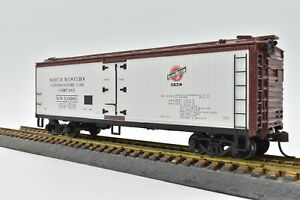 Chicago & North Western 40 Ft Wood Reefer # NWX 6066 Athearn 7575 New