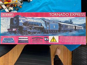 Hornby R1225M Tornado Express Train Set