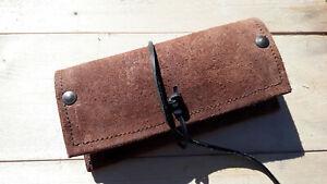 Portatabacco in pelle artigianale con finiture in cuoio