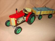 KDN Traktor + Anhänger /  Blechspielzeug / mechanisch / CSSR, DDR / ca. 60er J.