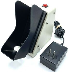 SHEAR TECH MJ-1000 AUTOMATIC CHECK JOGGER SHAKER - w/ AC ADAPTER + WARRANTY!!