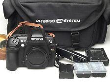 Olympus EVOLT e-3 + rm-cb-1 + e-sistema + 2x blm-1