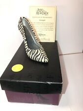 Just The Right Shoe Serengeti 1999 by Raine Willitts Designs w/Box
