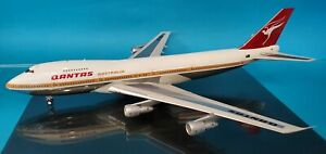InFlight200 Boeing 747-238B Qantas VH-EBA (with stand) Ref: IF742QFA1ST747P