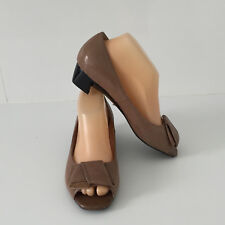 'MAGNINI' EC '7' (38) TAN OPEN TOE TEXTURED PRINT LEATHER SHOE WITH BOW DETAIL