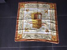 Foulard en soie Vendome Paris carré vintage