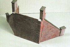 Wills SS64 Brick Type Abutments & Wing Walls x 2 '00' Scale Plastic Kit 1st Post