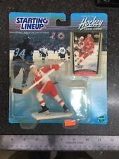 1999-2000 Steve Yzerman Starting Lineup Sports Figurine - Detroit Red Wings