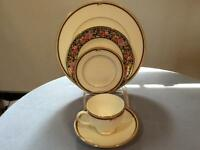 Wedgwood Clio bone china FIVE piece place setting ca.1991