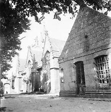 PENMARCH c. 1950 - L'Eglise Saint-Nonain  Finistère - Négatif 6 x 6 - N6 BR43