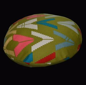 LL401n Lt Olive Pink Red Triangle Cotton Round Cotton Cushion Cover/Pillow Case