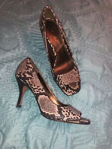 Tahari Riddle Women Shoes Size 6M Peep Toe Slip On Animal Print Heels