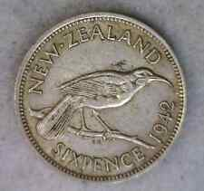NEW ZEALAND 6 PENCE 1942 EXTRA FINE SILVER COIN (Stock# 0140)