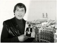 Udo Jürgens signiert sein neues Buch, Orig. Presse-Photo von 1985