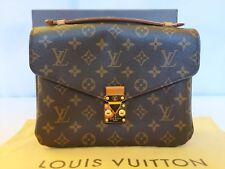 91e4244f8c8 Louis Vuitton Monogram Canvas Pochette Metis - M40780