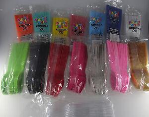 Confezione 20 cucchiai grandi, party,in 15 colori - plastica