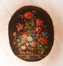 Jolie tapisserie, canevas ancien fait main, bouquet dans le style du XVIIIème.
