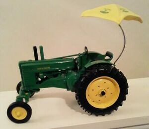 2000 John Deere Model A With Yellow Umbrella Collector Edition