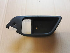 HYUNDAI COUPE MK2 2001-08 PASSENGERS/LEFT DOOR INTERIOR HANDLE SURROUND TRIM