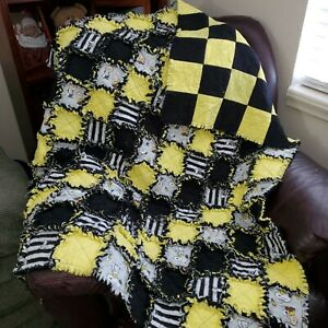Black and Sunny Yellow Snoopy Rag Quilt