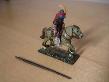 Knight Rider con piuma in Elmo e Lancia A Cavallo Grigio in metallo in miniatura, D&D