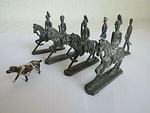 Zinnfiguren 4 Reiter 2 Stehende Soldaten + ein Hund
