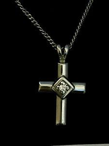 Lovely 9ct White gold Diamond Pendant with matching 9ct Chain full UK Hallmark