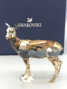 Swarovski retired Membership 2020 Doe collectible Figurine , Factory New