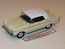 """WELLY 1957 CHEVY BEL AIR CONVERTIBLE TOP UP LIGHT YELLOW 4.75"""" LONG FREE SHIP"""