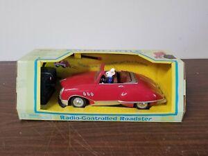 Vintage 1999 STUART LITTLE Radio Shack Remote Control Roadster Car