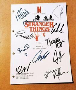 Copione Stranger Things con autografi Millie Bobby Brown Gaten Matarazzo etc