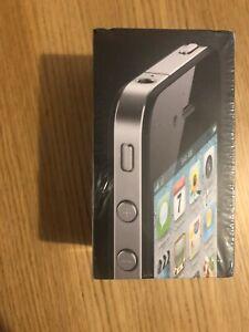 Apple iPhone 4 - 8GB -black (GSM) new sealed