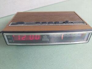 GE 7-4625C Alarm Clock Radio AM/FM Woodgrain