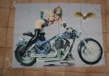 MOTO et FEMME SEXY drapeau 100 % polyester format environ 95 cm X 135 cm