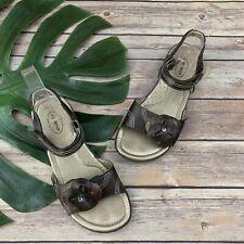 Stride Rite Girls Laverne Sandals Size 3 Brown Gray Leather Flat Flower Trim