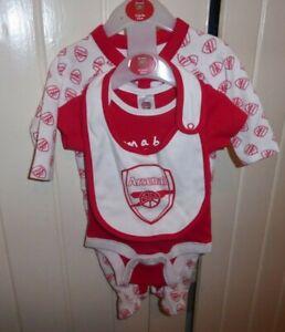 Arsenal FC 3 Piece Baby Set Sleeper Bodysuit & Bib AGED 0 - 3 MONTHS BNWT