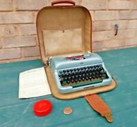 Vintage Imperial Good Companion 4 Portable Typewriter Beautiful Early 60s