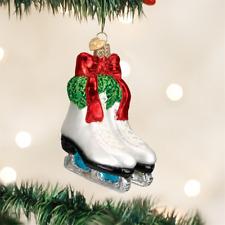 OLD WORLD CHRISTMAS HOLIDAY SKATES ICE SKATING GLASS CHRISTMAS ORNAMENT 44052