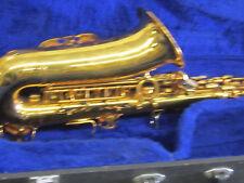Suzuki Musique Saxophone with case